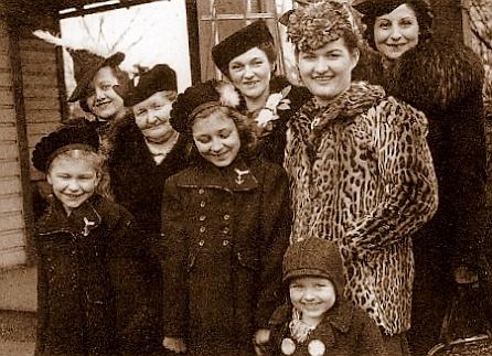 Aniela Kolavick and family beauties