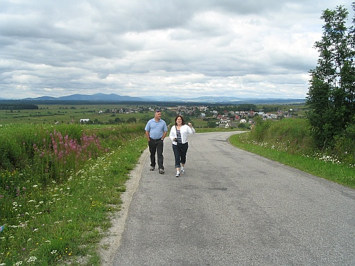 Jerry and Shellie walking on the road to Odrowąż.