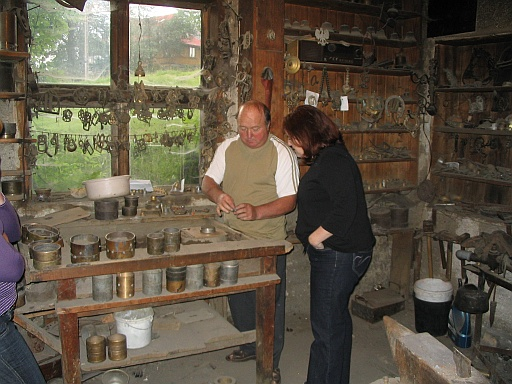 In Józef Kulawiak foundry - Józef and Shellie.