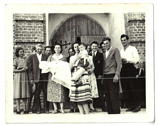 My great aunt Maria - hidden after her the woman holding child in the center.