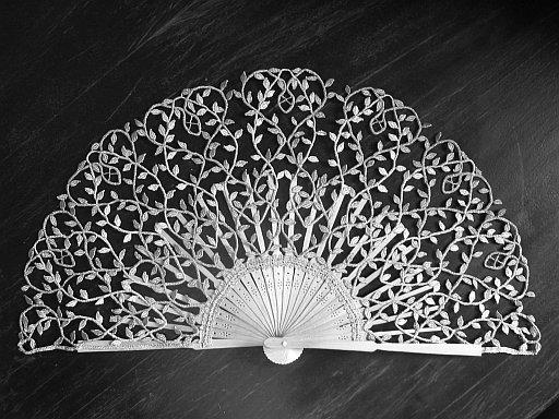 bobbin lace fan by Ewa Szpila